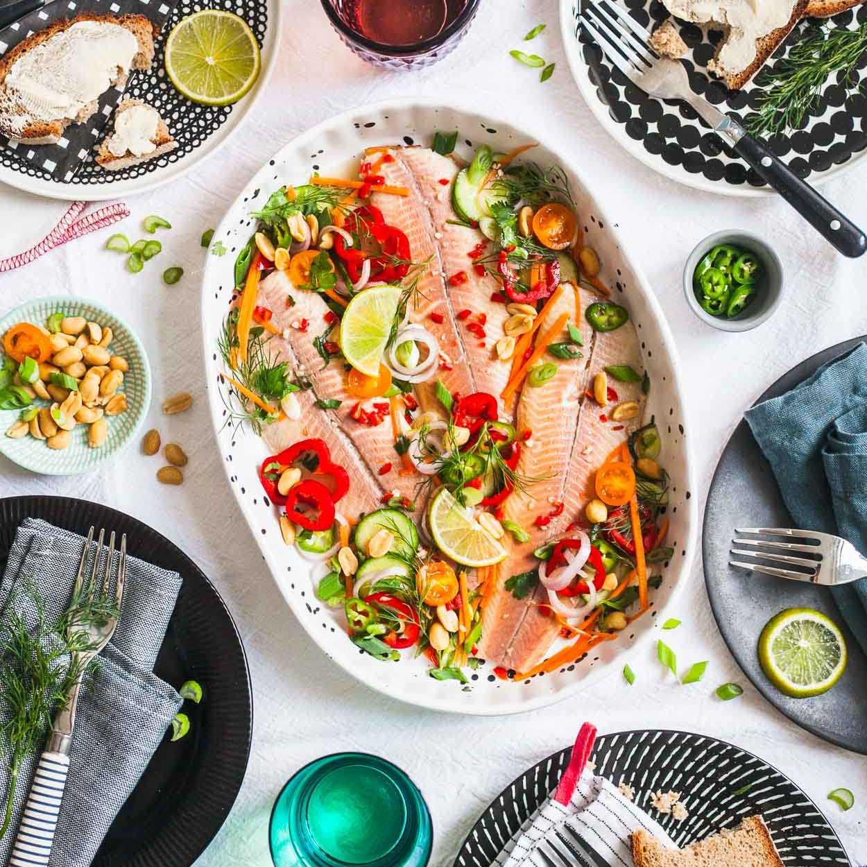 Bachsaibling Nuoc Cham in vietnamesischem Dressing Fischplatte Brunch |GourmetGuerilla.de