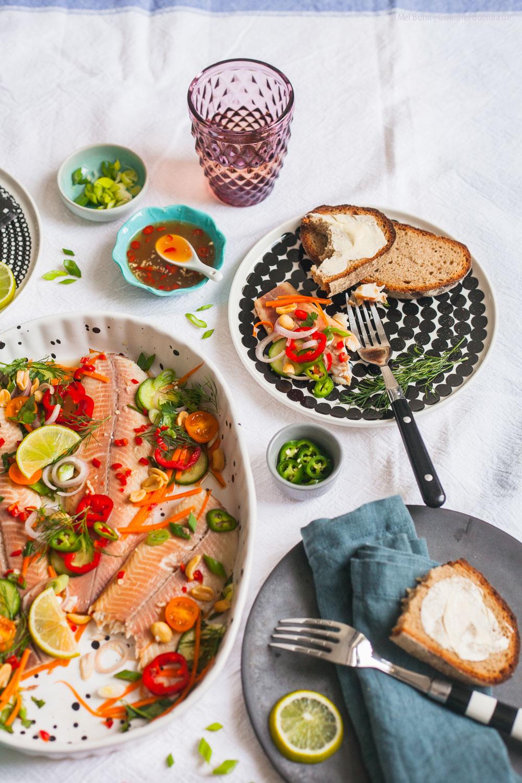 Bachsaibling Nuoc Cham in vietnamesischem Dressing Fischplatte kalte Küche Brunch |GourmetGuerilla.de