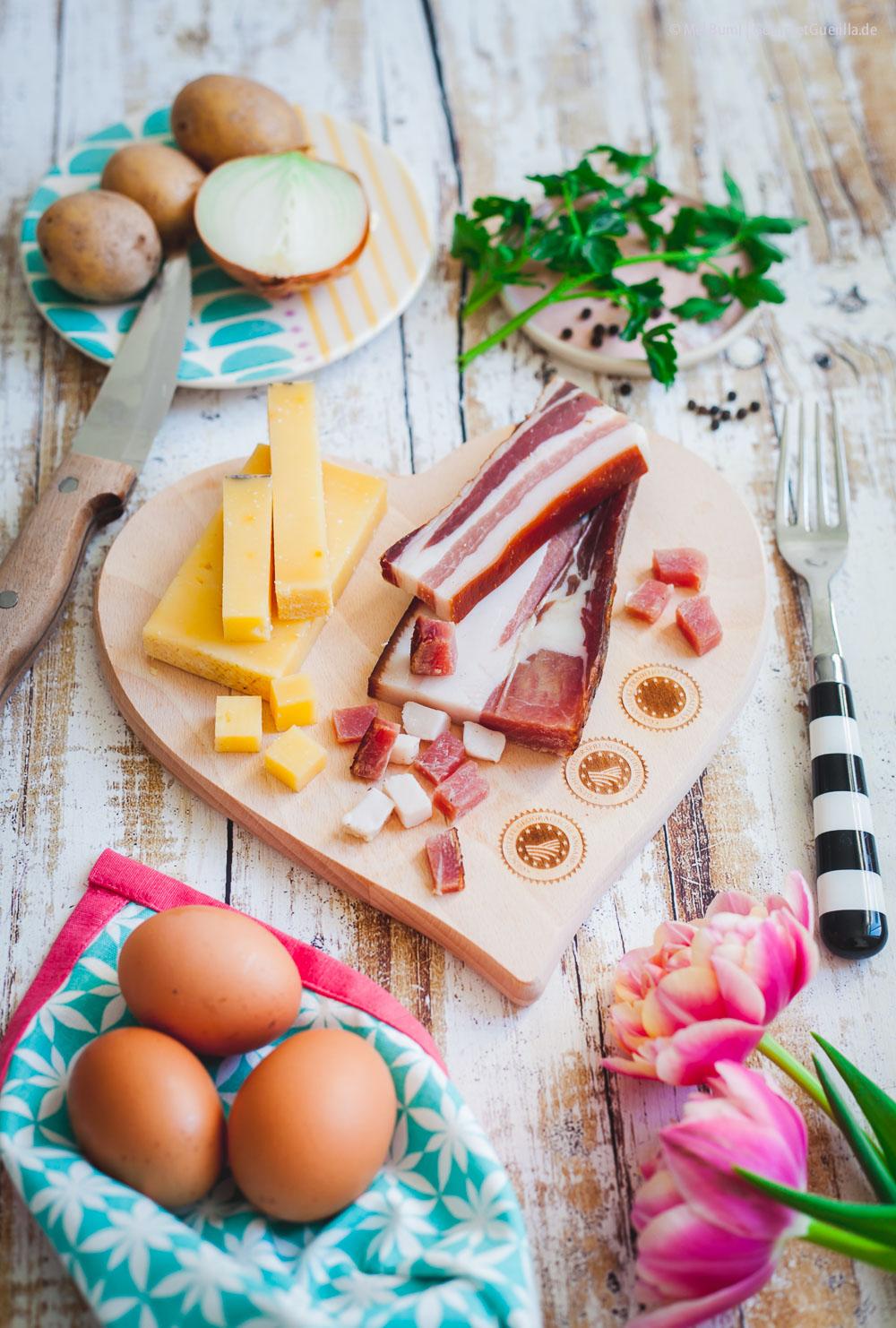 Gailtaler Friggapfandl mit Käse und Speck Kärntner Originalrezept Holffällerpfanne Österreich |GourmetGuerilla.de