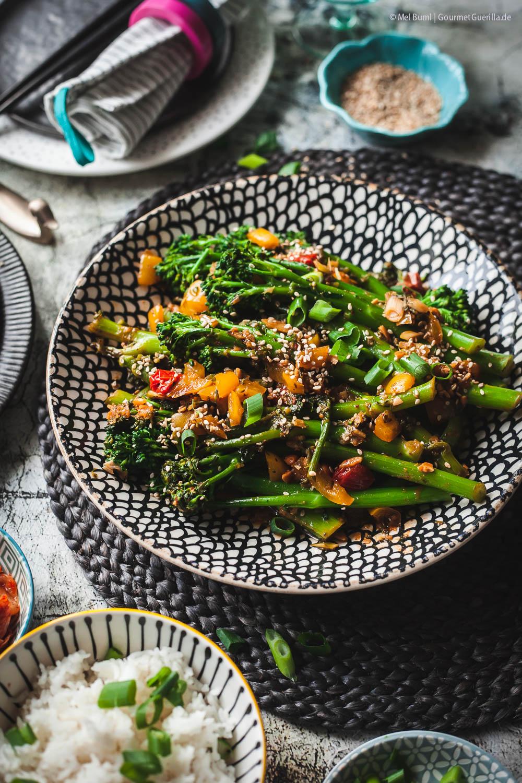 Veganer 10-Minuten Brokkoli Ssamjang - ein koreanisches Rzept mit Bimi Brokkoli |GourmetGuerilla.de