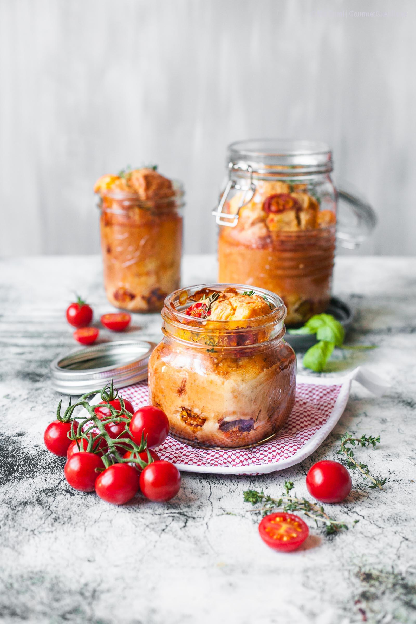 Mediterraner Honigtomaten-Kuchen in Glas |FoxyFood.de