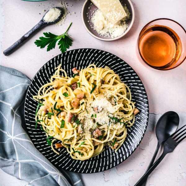 Authentische Spaghetti Carbonara - das italienische originalrezept ohne Sahne |FoxyFood.de