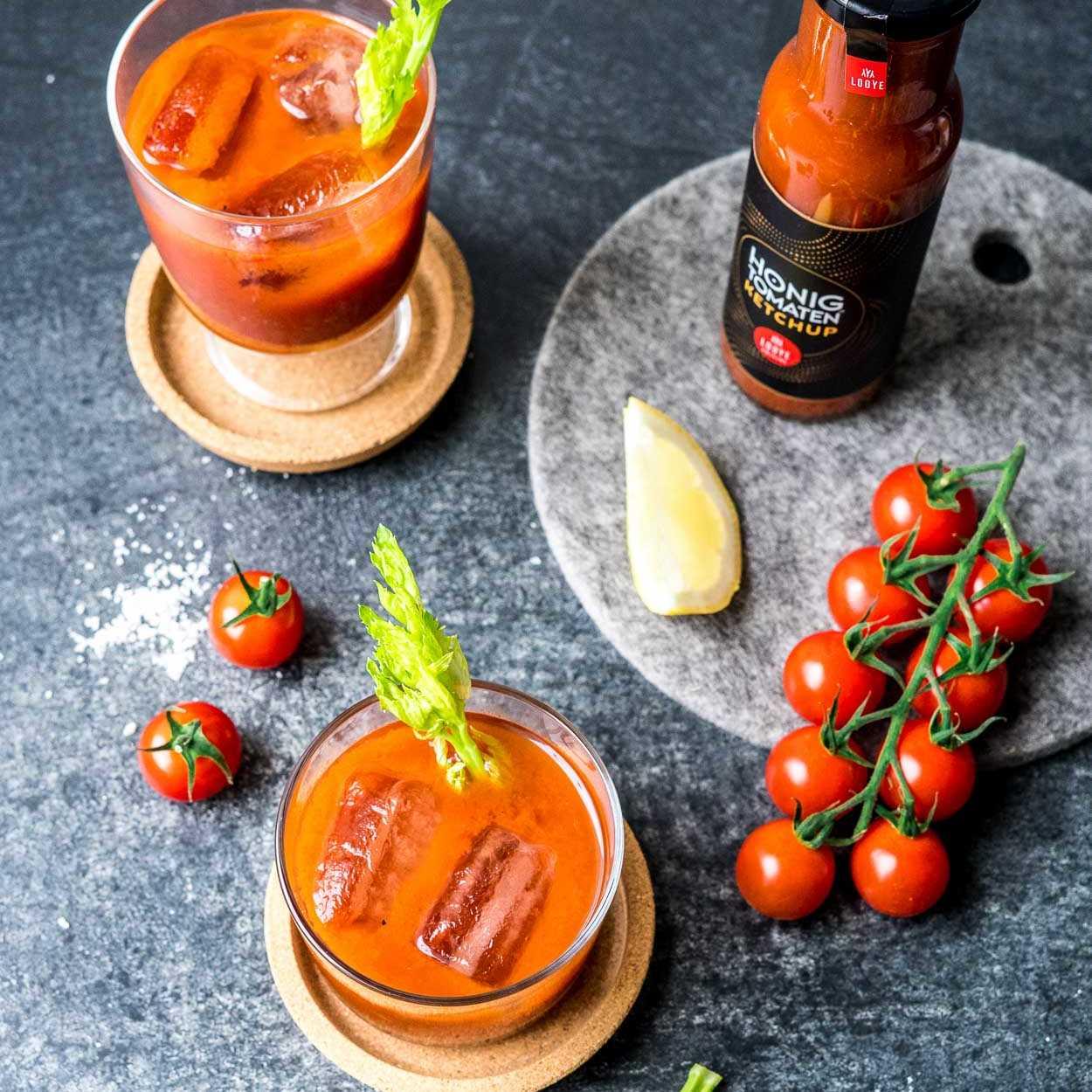 Köstliche Bloody Sangrita Mary mit Tomatenketchup auch als alkoholfreier Cocktail Virgin Mary |FoxyFood.de