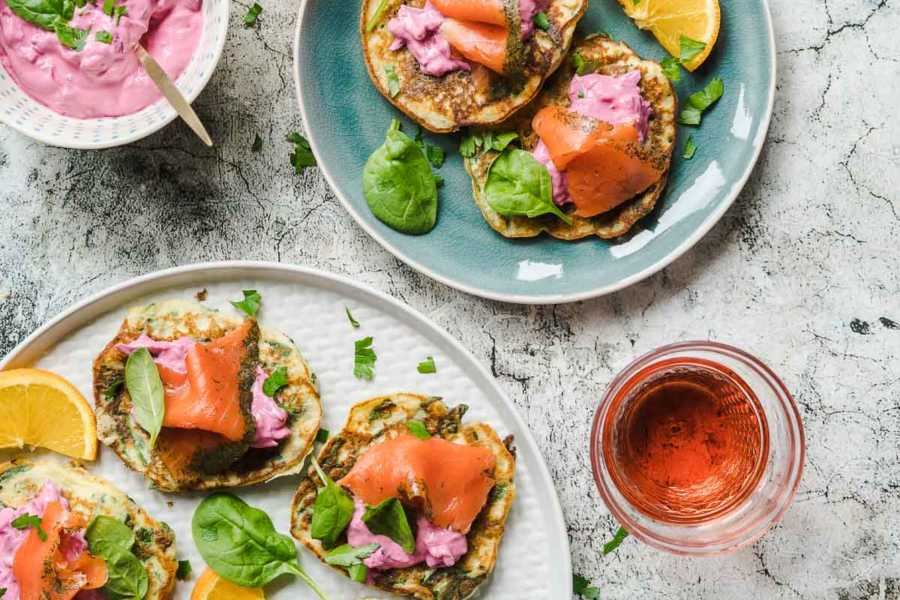 Low Carb Spinat-Blini mit Rote Bete Creme und Graved Wildlachs | FoxyFood.de