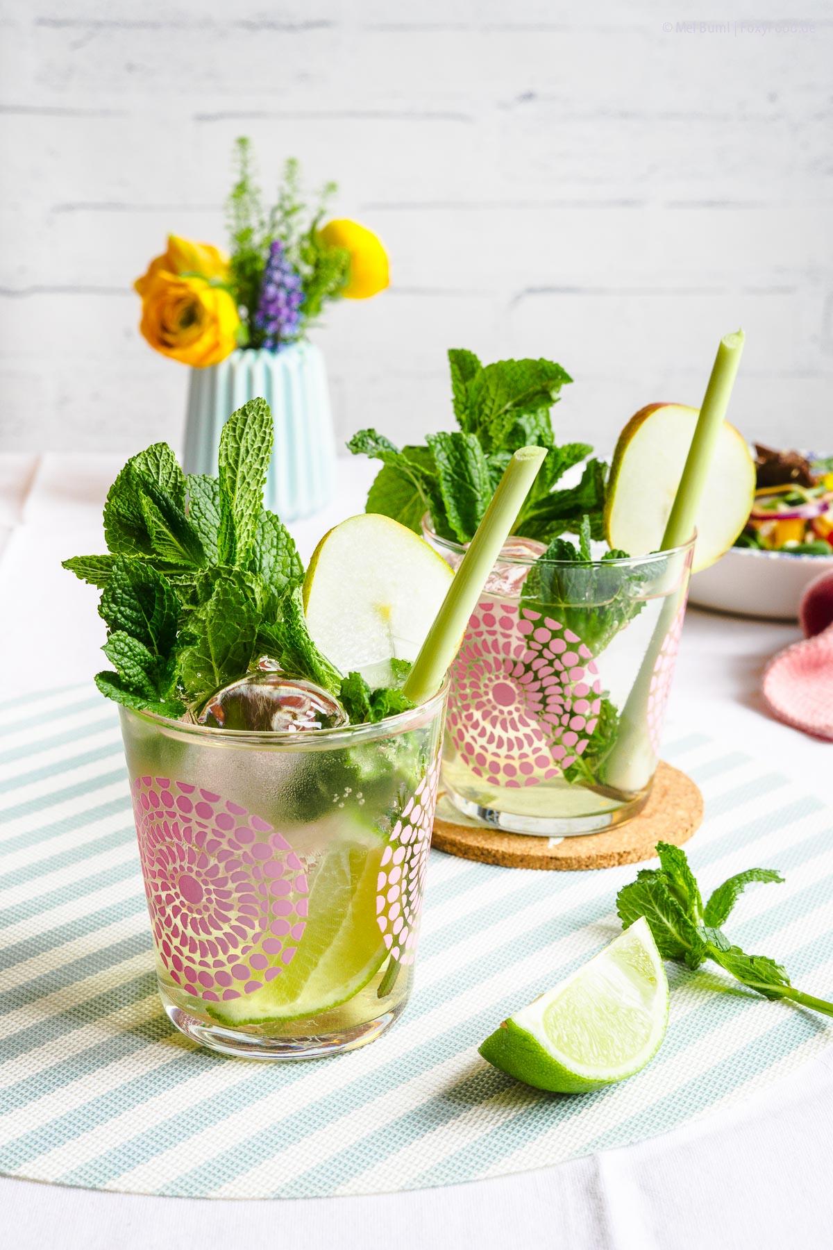 Prickelnder Birnen Fizz mit Zitronengras und Minze - Alkoholfreier Drink zum Essen  FoxyFood.de