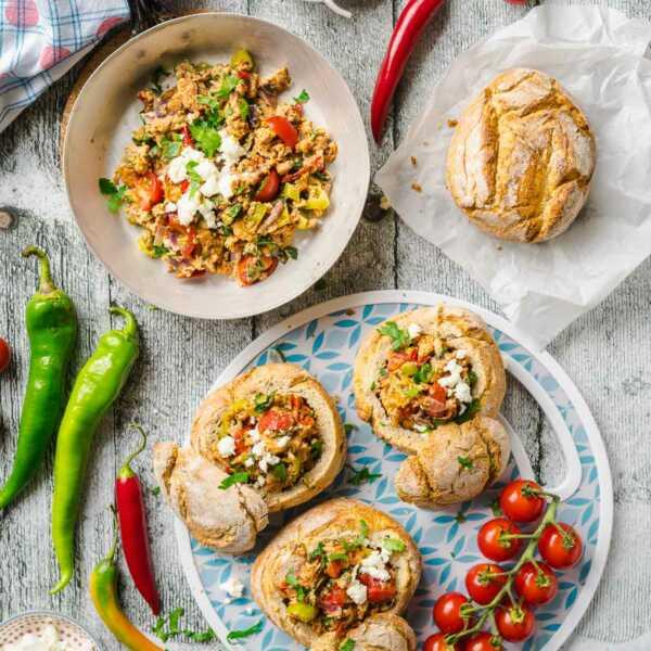 Menemen Buns mit Gemüse-Rührei gefüllte Brötchen Picknick Proviant Ausflug |FoxyFood.de