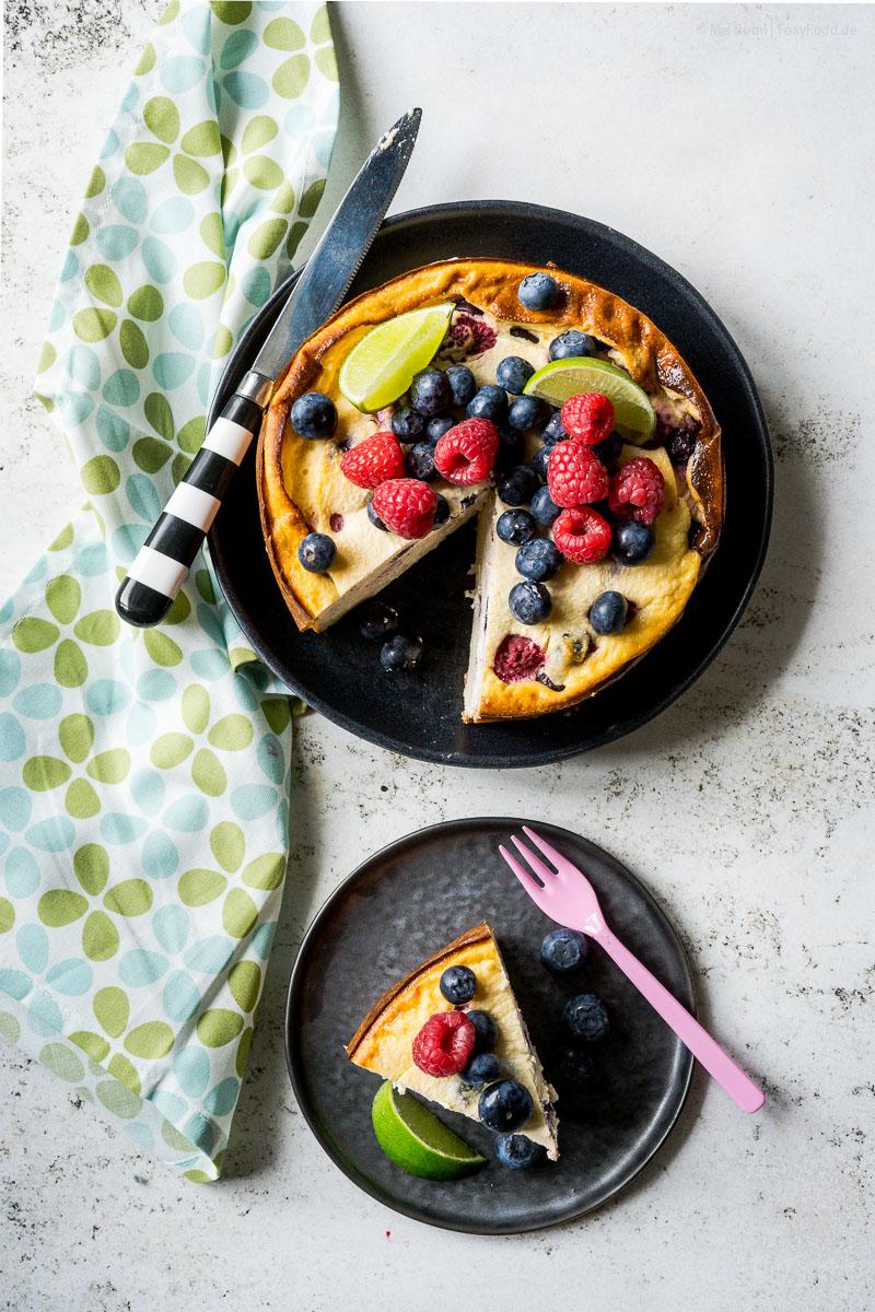 High Protein Low Carb Lemon Cheesecake mit Beeren in 2 Minuten ready to bake  FoxyFood.de